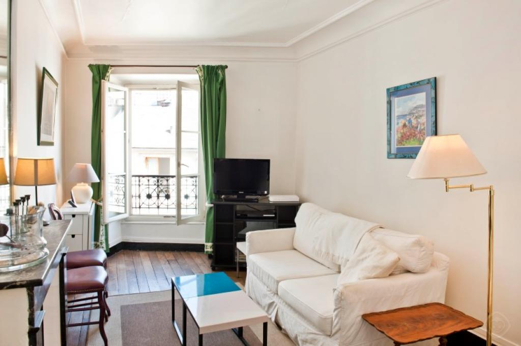 Beau Classy St. Germain Apartment Paris